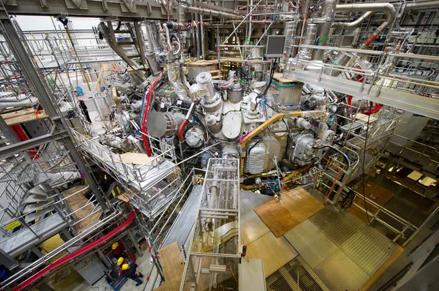 В стеллараторе Wendelstein 7-X получили водородную плазму - 1