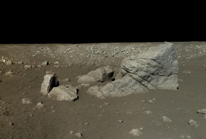 Китай опубликовал фото с лунной поверхности - 1