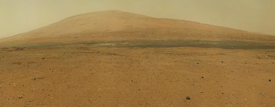 Марсоход Curiosity изучает темные дюны - 2