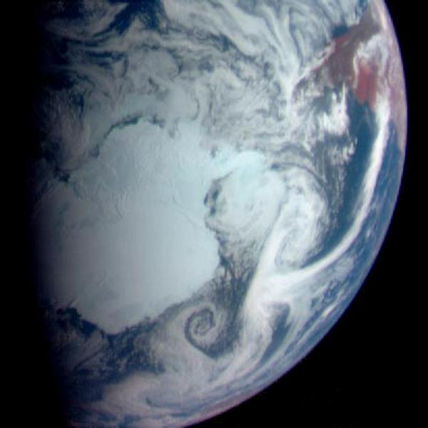 15 лет первому контакту земного аппарата с астероидом - 7