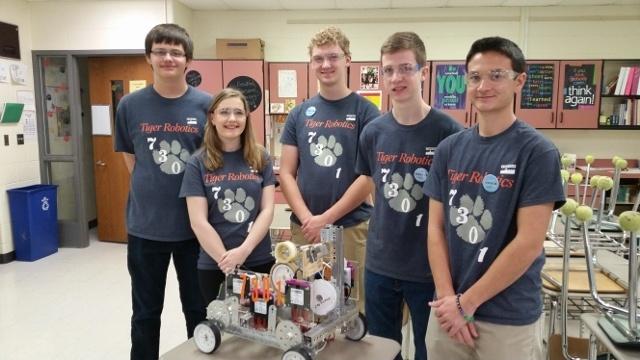 Школьные соревнования по робототехнике в штате Иллинойс, США - 3