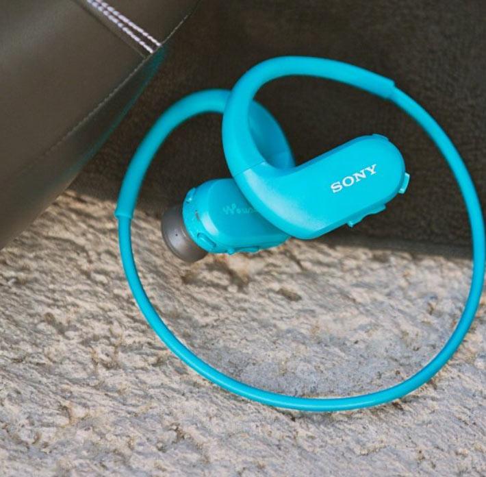 В комплект поставки проигрывателей Sony Walkman WS413 и WS414 входят водонепроницаемые амбушюры