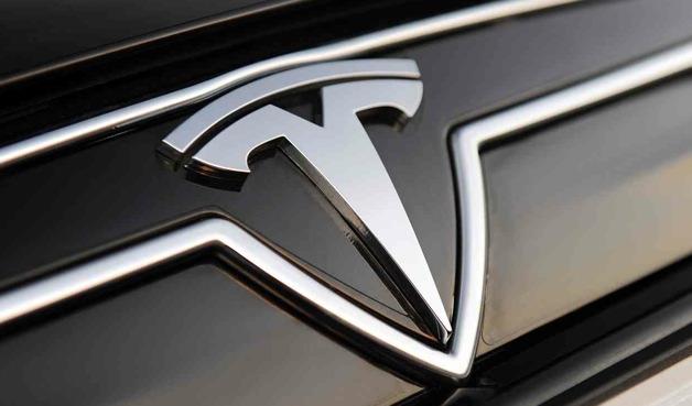 Илон Маск получил домен Tesla.com после 10 лет ожидания - 1