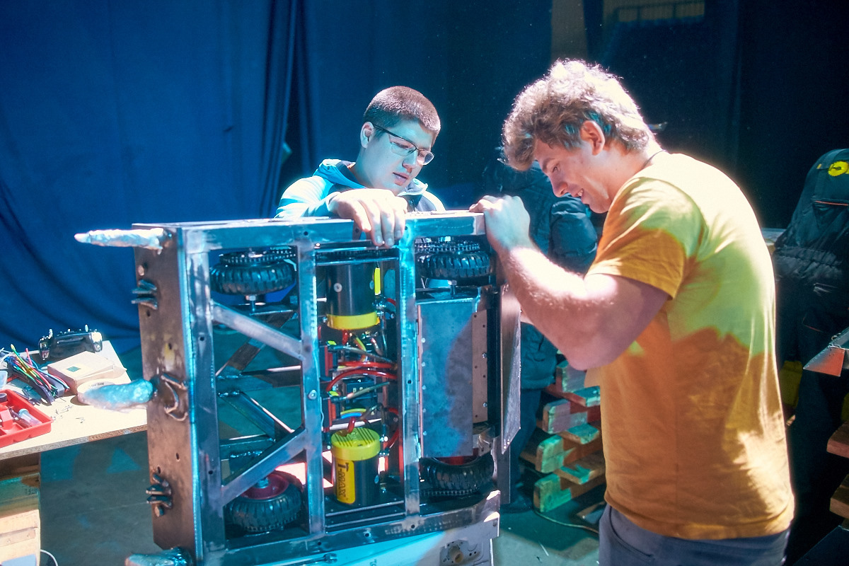 Фотоотчет с открытия боев роботов «Бронебот-2016» - 10
