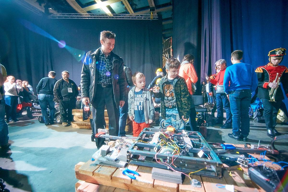 Фотоотчет с открытия боев роботов «Бронебот-2016» - 25