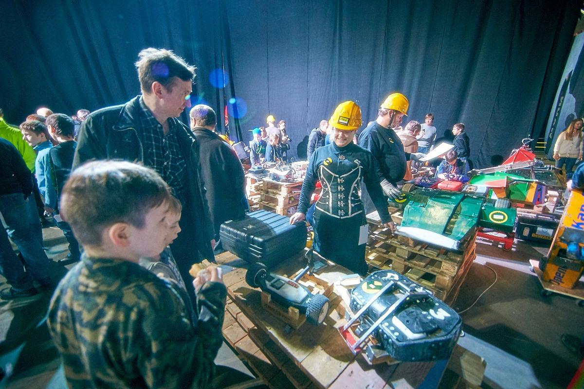 Фотоотчет с открытия боев роботов «Бронебот-2016» - 26