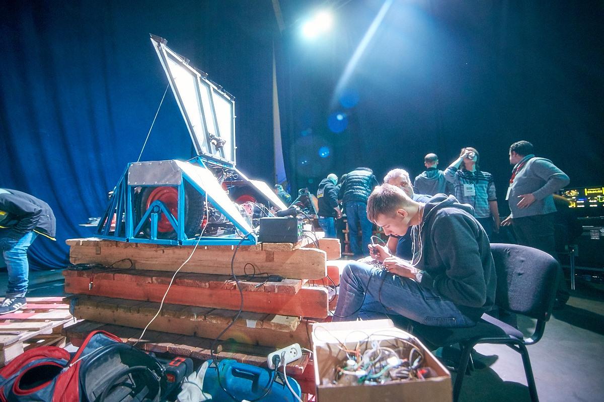 Фотоотчет с открытия боев роботов «Бронебот-2016» - 31