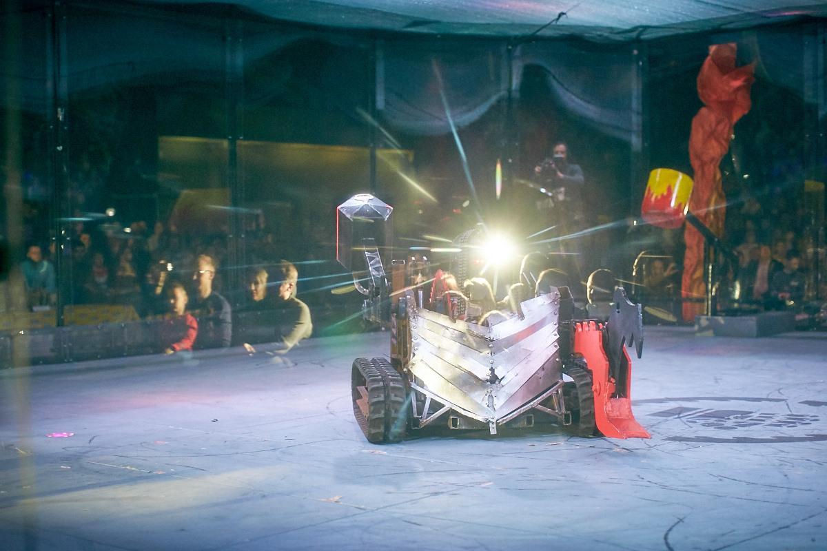 Фотоотчет с открытия боев роботов «Бронебот-2016» - 48