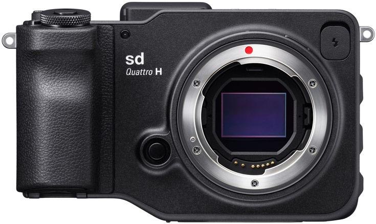 В камере Sigma sd Quattro установлен датчик формата APS-C, в камере Sigma sd Quattro H — формата APS-H