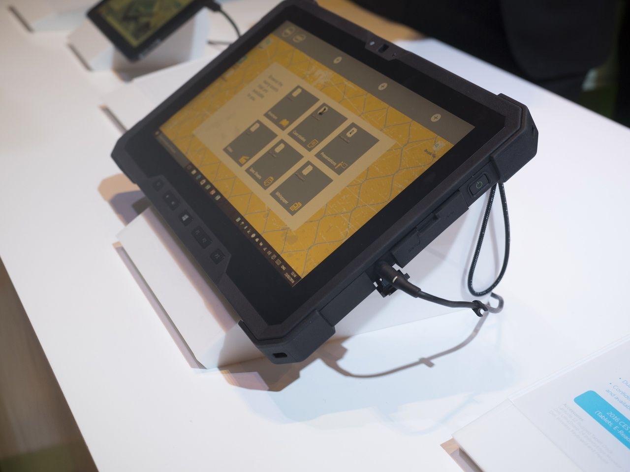 Dell на Mobile World Congress: подготовка к эпохе IoT, модульные дата-центры, OEM-решения и защищенный планшет - 7