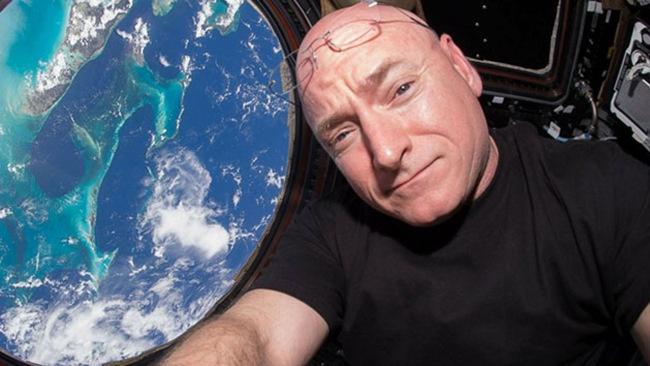 Астронавт Скотт Келли за год в космосе вырос на 5 см - 1