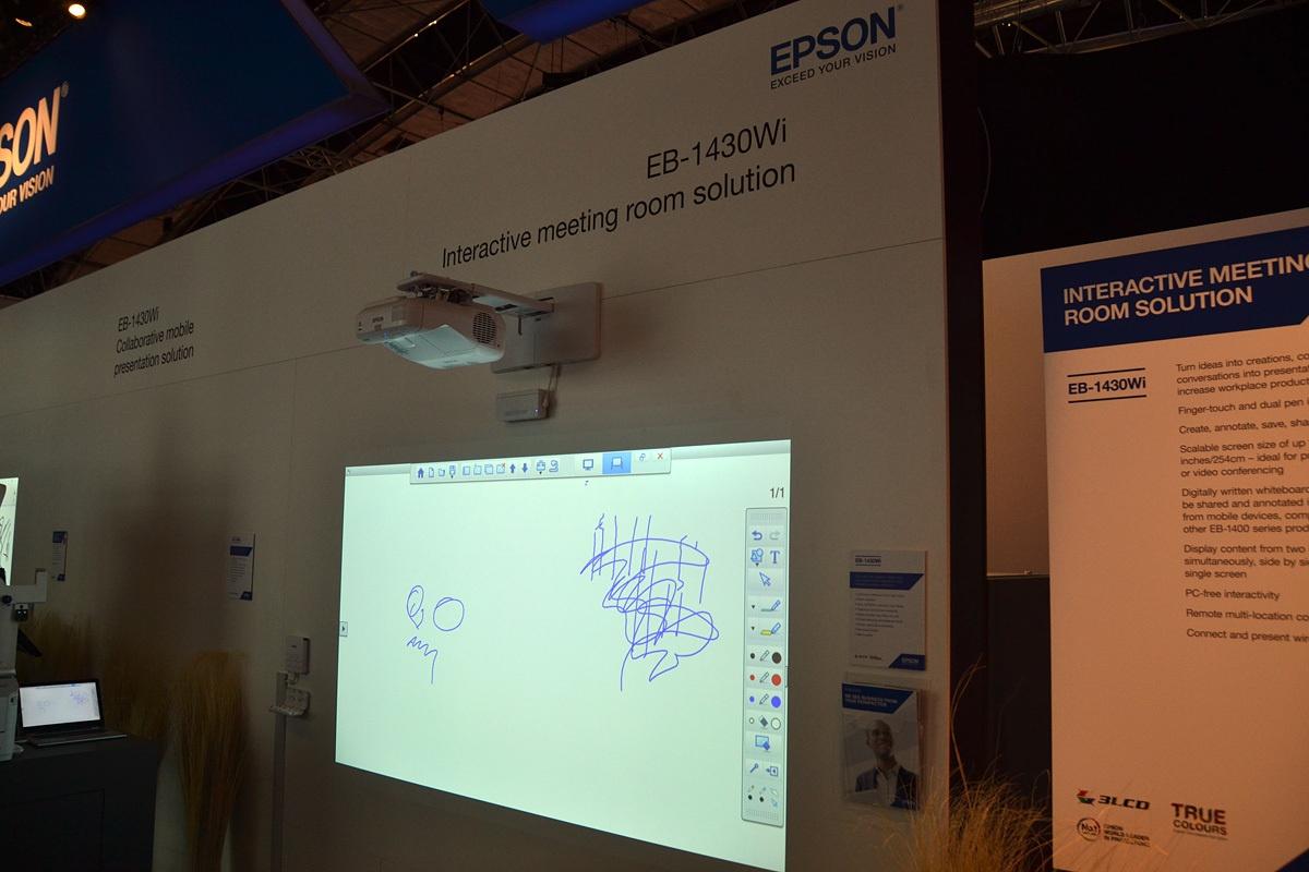 Свежая выставка ISE – новые светодиоды, экраны в окнах и как сломать экран, который не ломается - 27