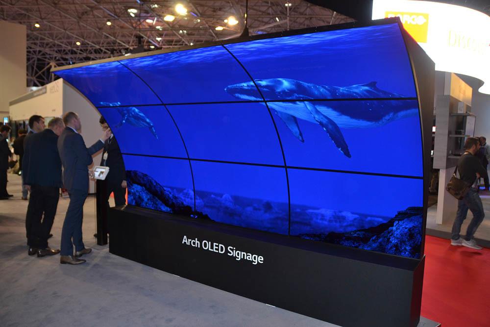 Свежая выставка ISE – новые светодиоды, экраны в окнах и как сломать экран, который не ломается - 3