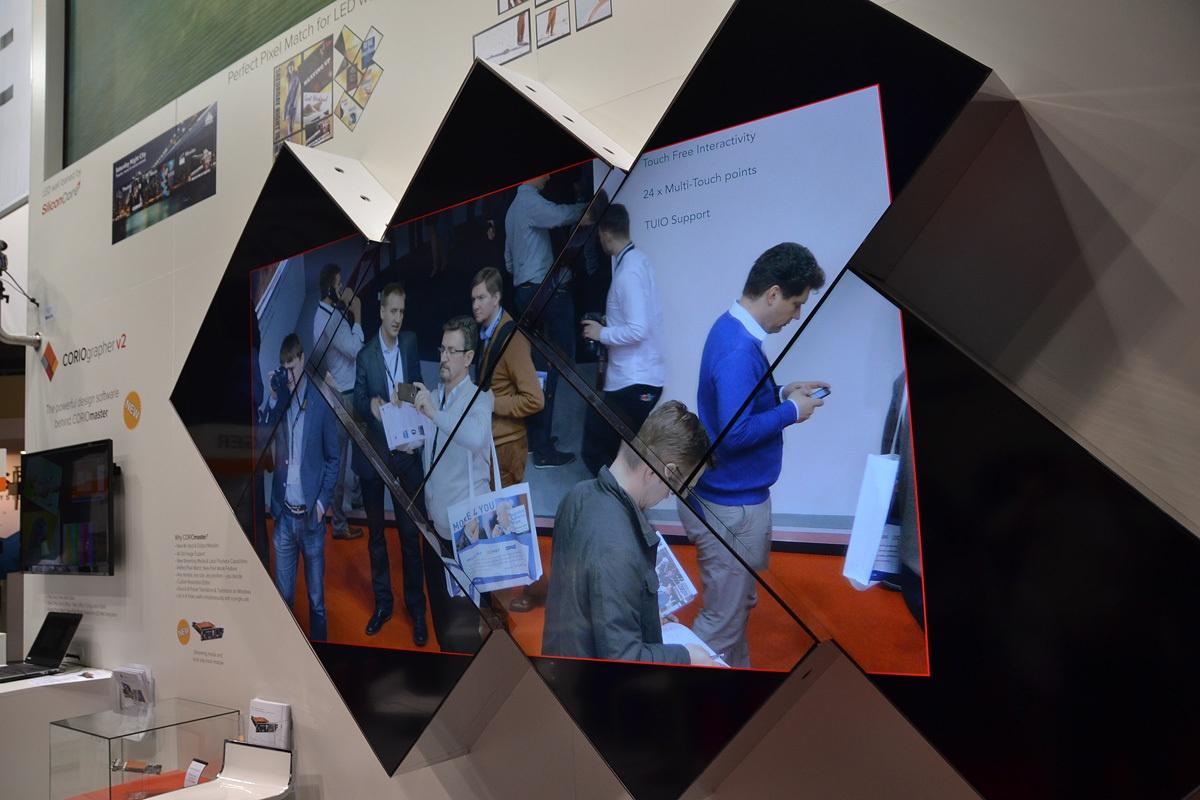 Свежая выставка ISE – новые светодиоды, экраны в окнах и как сломать экран, который не ломается - 32