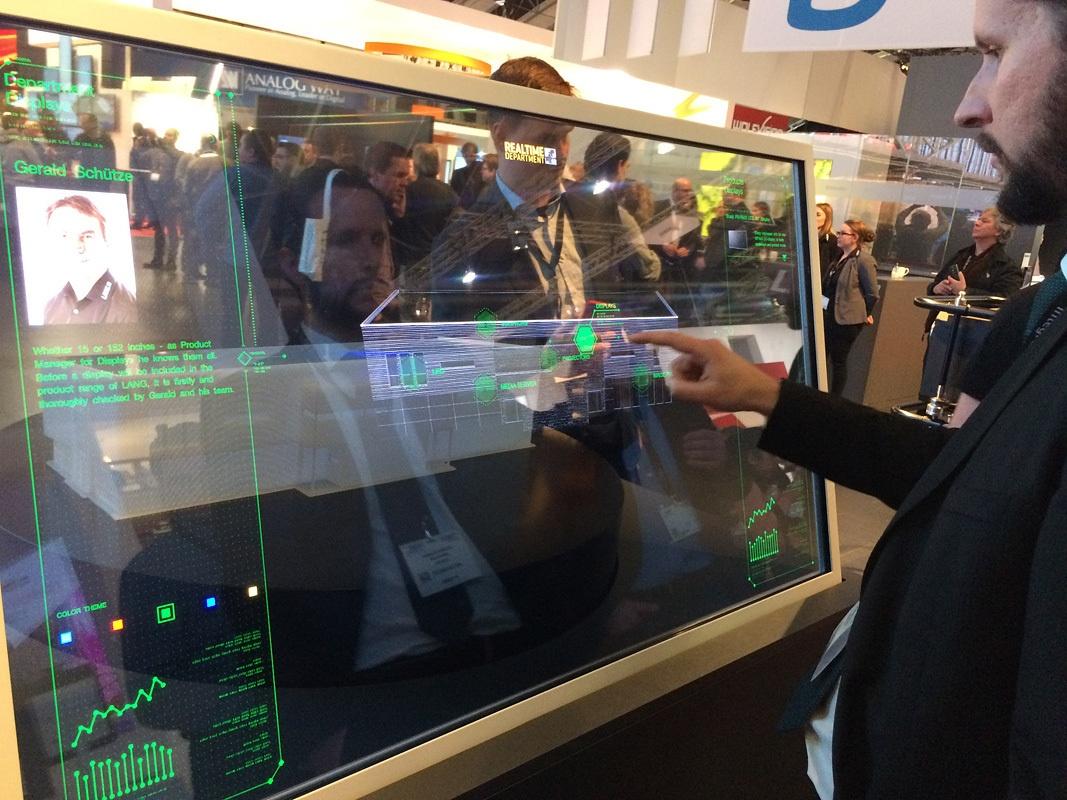 Свежая выставка ISE – новые светодиоды, экраны в окнах и как сломать экран, который не ломается - 35