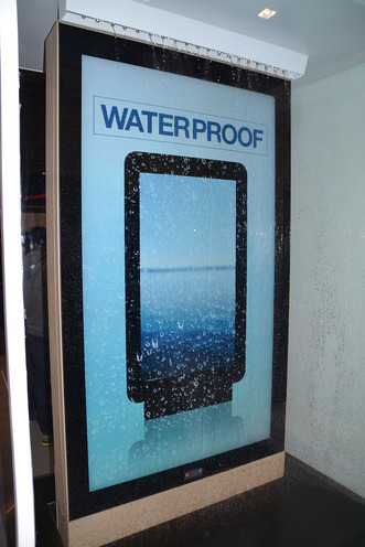 Свежая выставка ISE – новые светодиоды, экраны в окнах и как сломать экран, который не ломается - 9