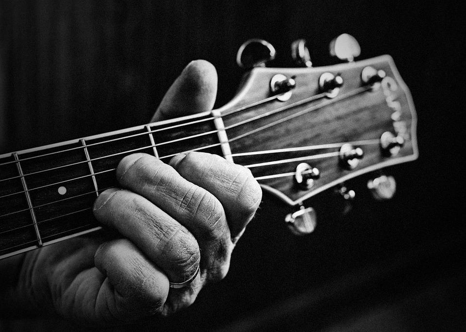 Почему гитаристам тяжело читать мелодию «с листа» - 1