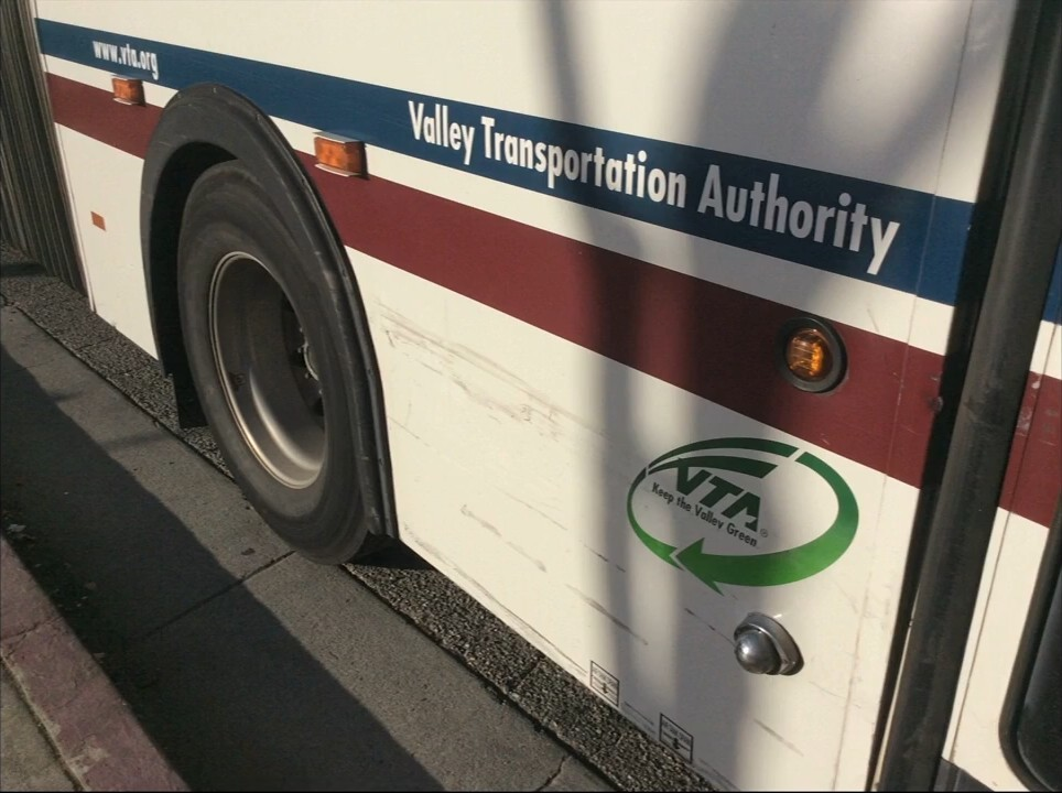 Видеозапись с камер наблюдения автобуса, столкнувшегося с автомобилем Google - 7