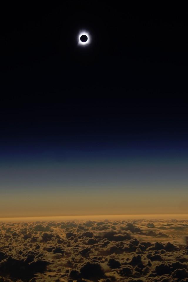 Фотографии и видео солнечного затмения 9 марта 2016 года - 4