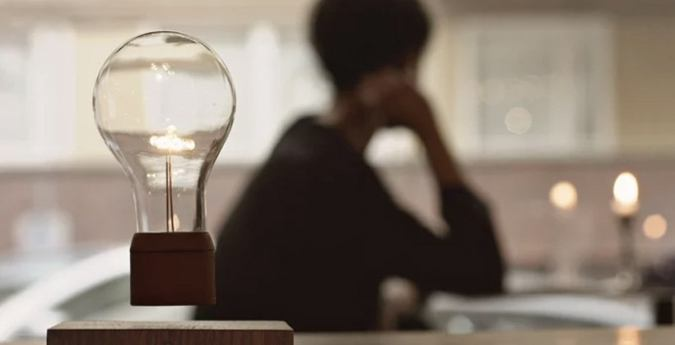 Левитирующие гаджеты: парящие лампы, колонки и растения - 3