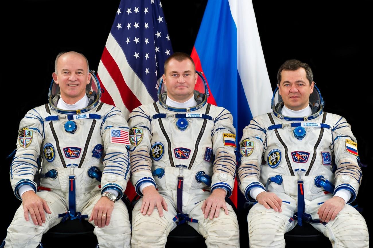 Новый экипаж-47-48 прибыл на МКС - 1