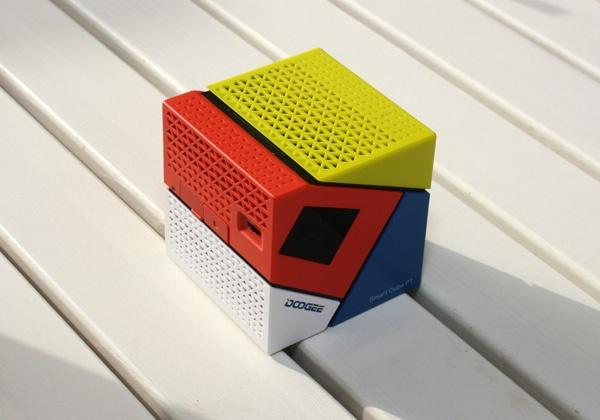 Беспроводной DLP-проектор в форме куба со стороной 62 мм Doogee Smart Cube P1 доступен за $169