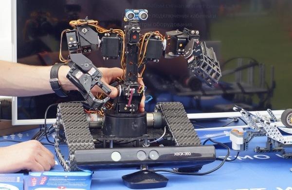 Как студенты Университета ИТМО создают роботов - 3