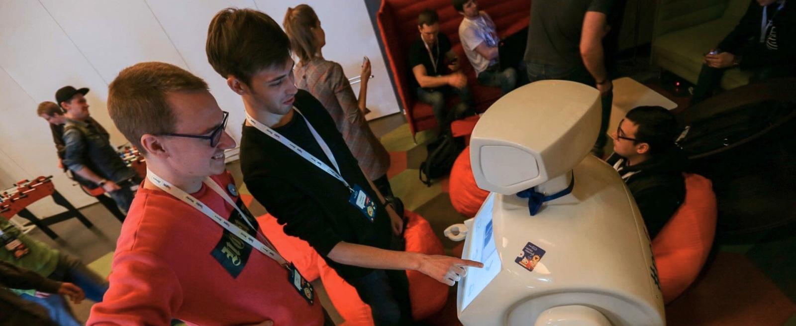 Битва роботов на Хакатоне Яндекс.Денег - 1