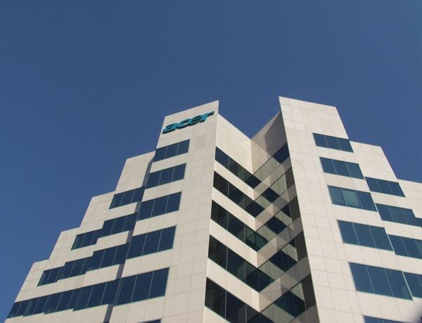 Acer планирует масштабную реструктуризацию