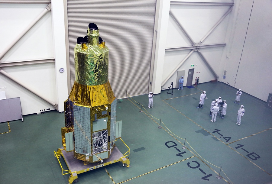 Японский рентгеновский телескоп распался на орбите - 2