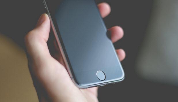 По прогнозу KGI, в следующем году на рынок выйдут смартфоны iPhone с дисплеями AMOLED диагональю 4,7 и 5,8 дюйма