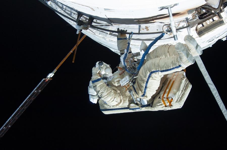 Дайте космонавту и герою Космонавта и Героя - 2