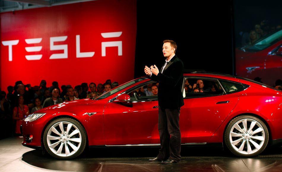 Tesla получила уже 325000 предзаказов на Model 3 - 1