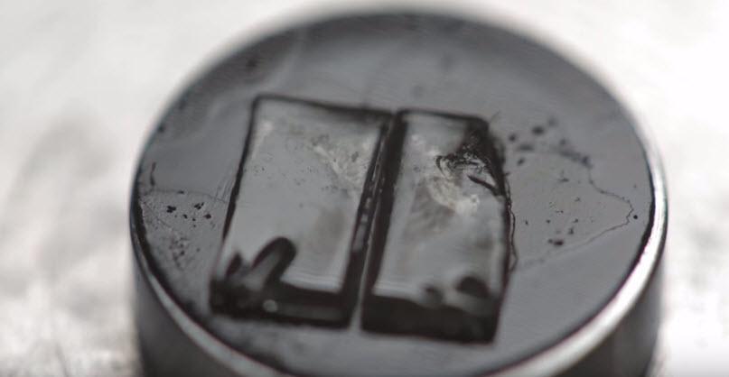 Ученые создали материал, который самовосстанавливается при температуре 37°С
