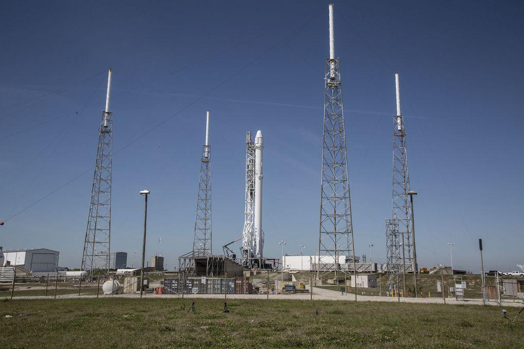 SpaceX выложила фотографии самого успешного запуска космического корабля Falcon 9 в своей истории - 2