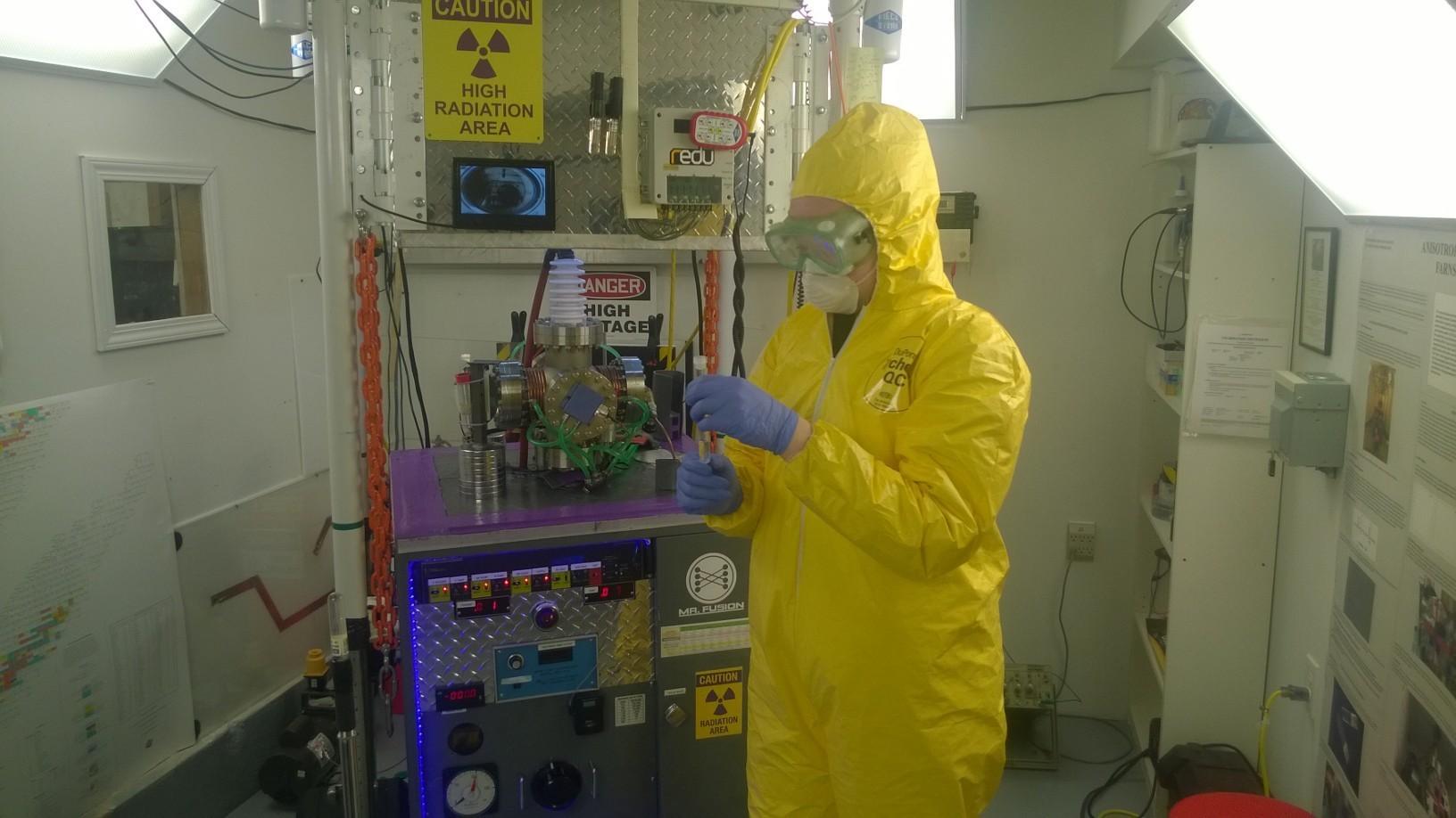 Старшеклассники собрали термоядерный реактор в гараже и ставят эксперименты - 5