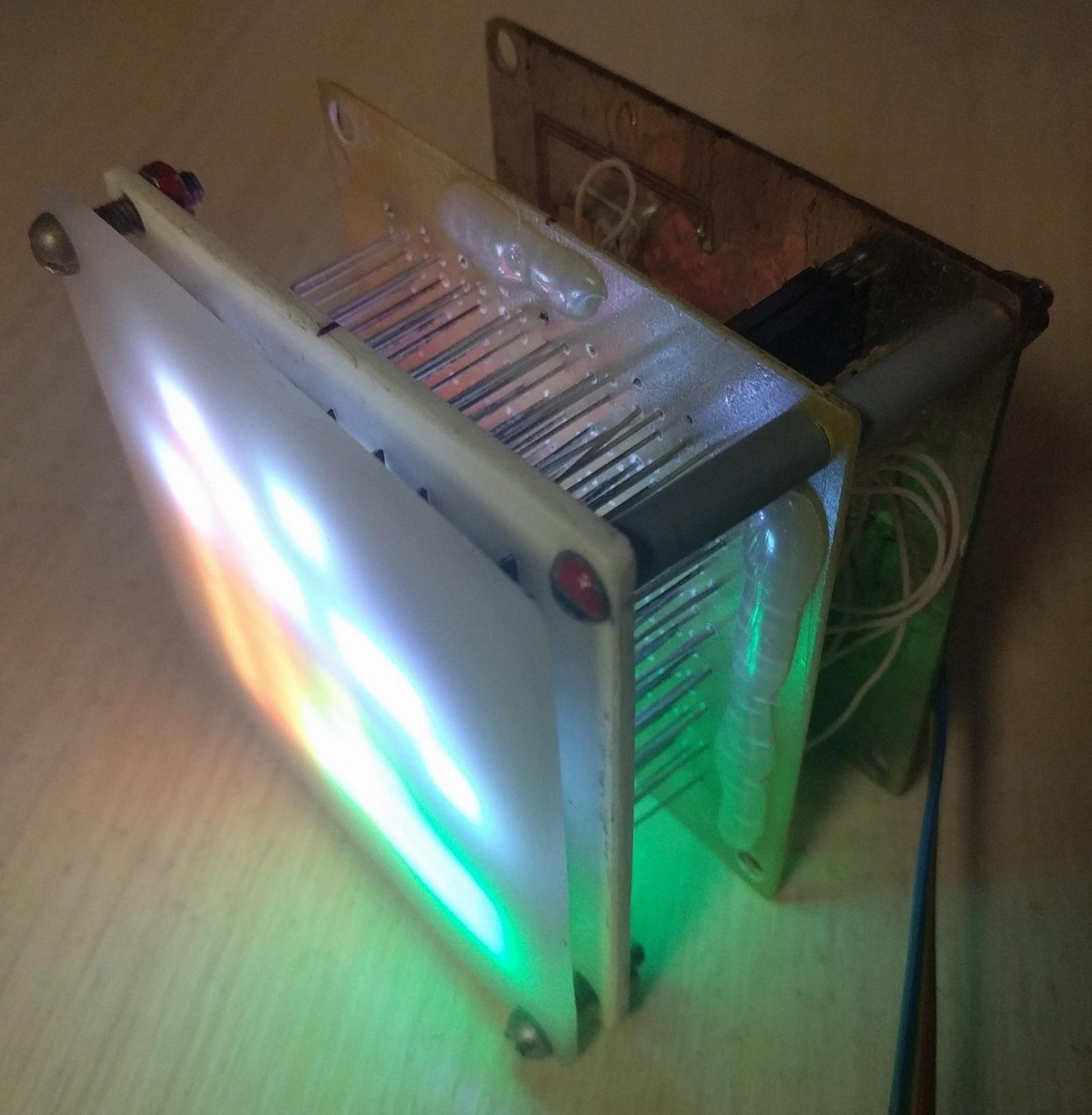 Прототип светодиодного табло на 262 144 комбинации цветов и 64 пикселя - 8