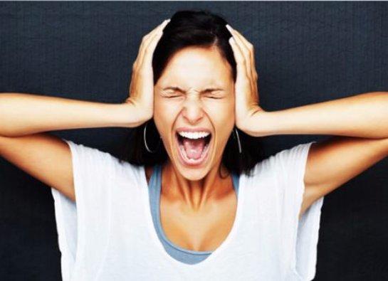 Женщинам нужно бурно выражать свои чувства