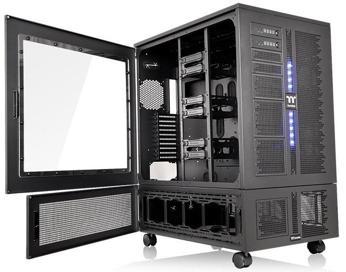 Конструкция Thermaltake Core WP200 собирается из корпусов W200 и P200