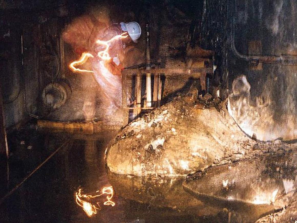 Знаменитая фотография из Чернобыльской АЭС — это селфи с длинной выдержкой - 1