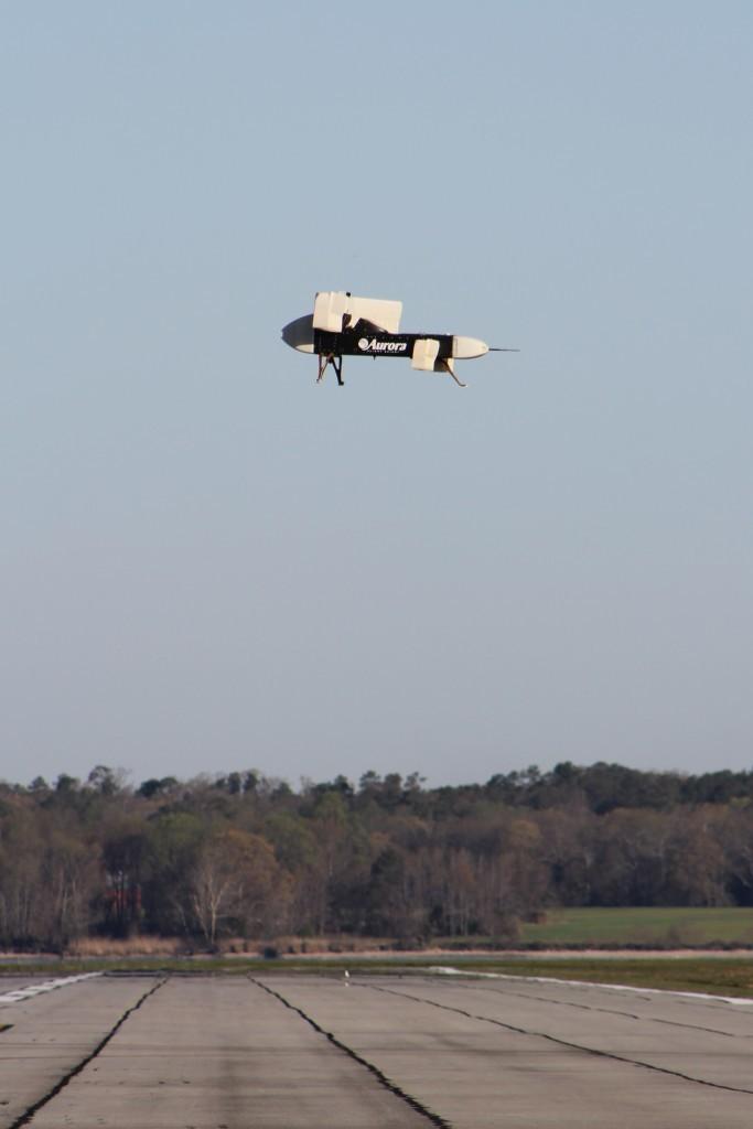 DARPA испытало беспилотник с 24 импеллерами и вертикальным взлетом - 2
