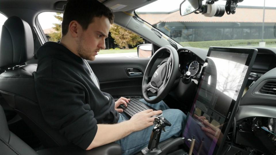 Хакер Geohot будет работать над беспилотным авто — конкурентом Tesla вместе… с ведущим инженером Tesla Motors - 1
