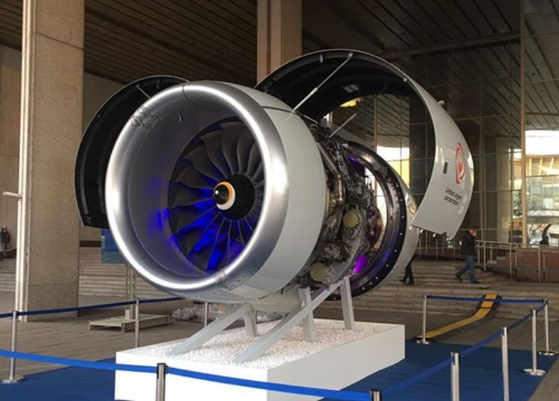 На выставке в Москве показали авиационный «двигатель будущего» ПД-14 и ракетный двигатель НК-33 - 1