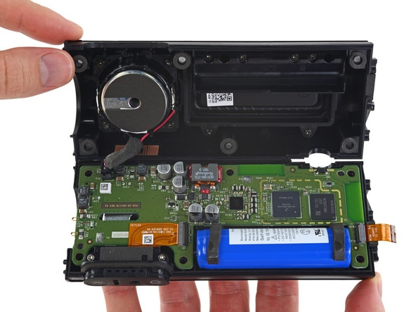Колонки Amazon Tap и Echo посетили лабораторию iFixit