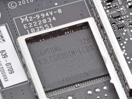 Флэш-память для новых смартфонов Apple iPhone будет экранирована на уровне микросхем
