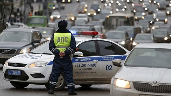Полиция РФ в ближайшем будущем сможет дистанционно отключить двигатель любого автомобиля - 1