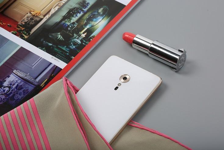 Смартфон Zuk Z2 Pro стоит $415