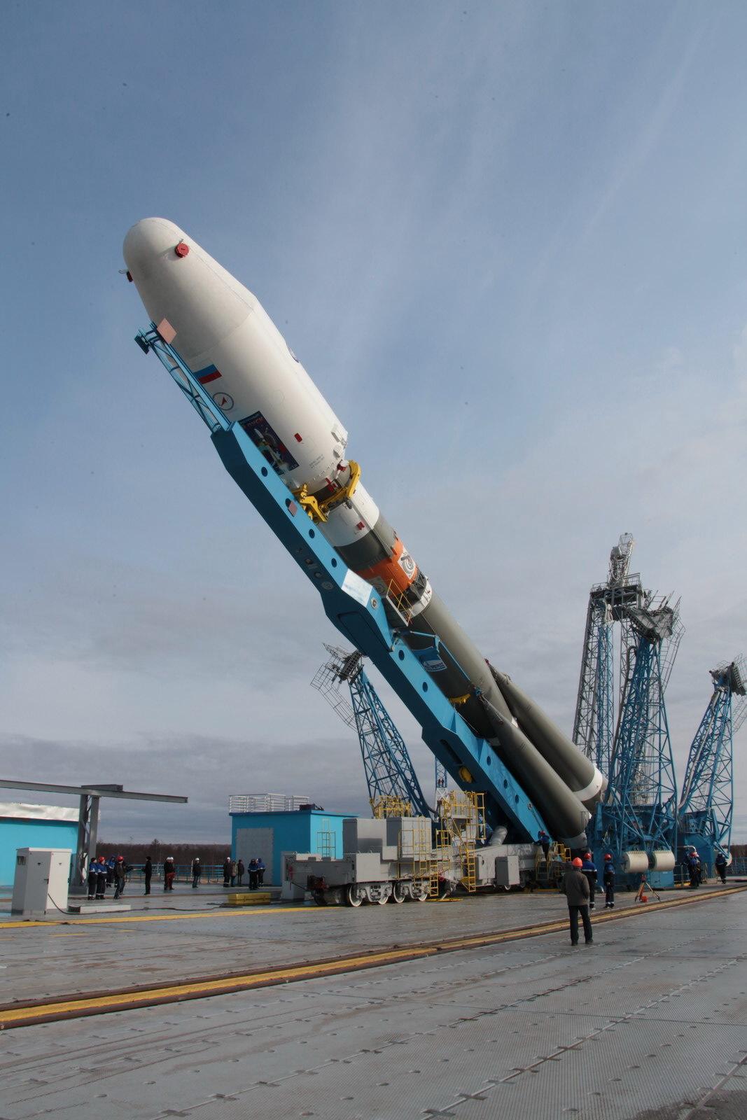 На космодроме Восточный установили ракету-носитель «Союз 2.1а» для первого запуска - 13