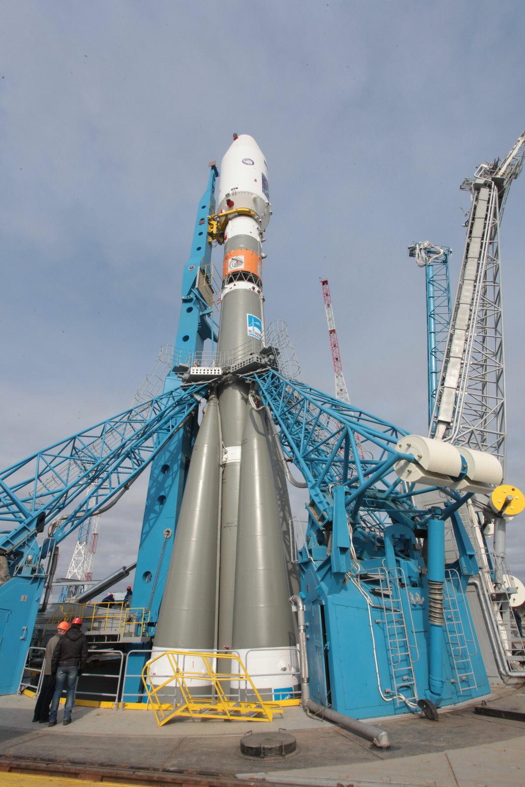 На космодроме Восточный установили ракету-носитель «Союз 2.1а» для первого запуска - 15