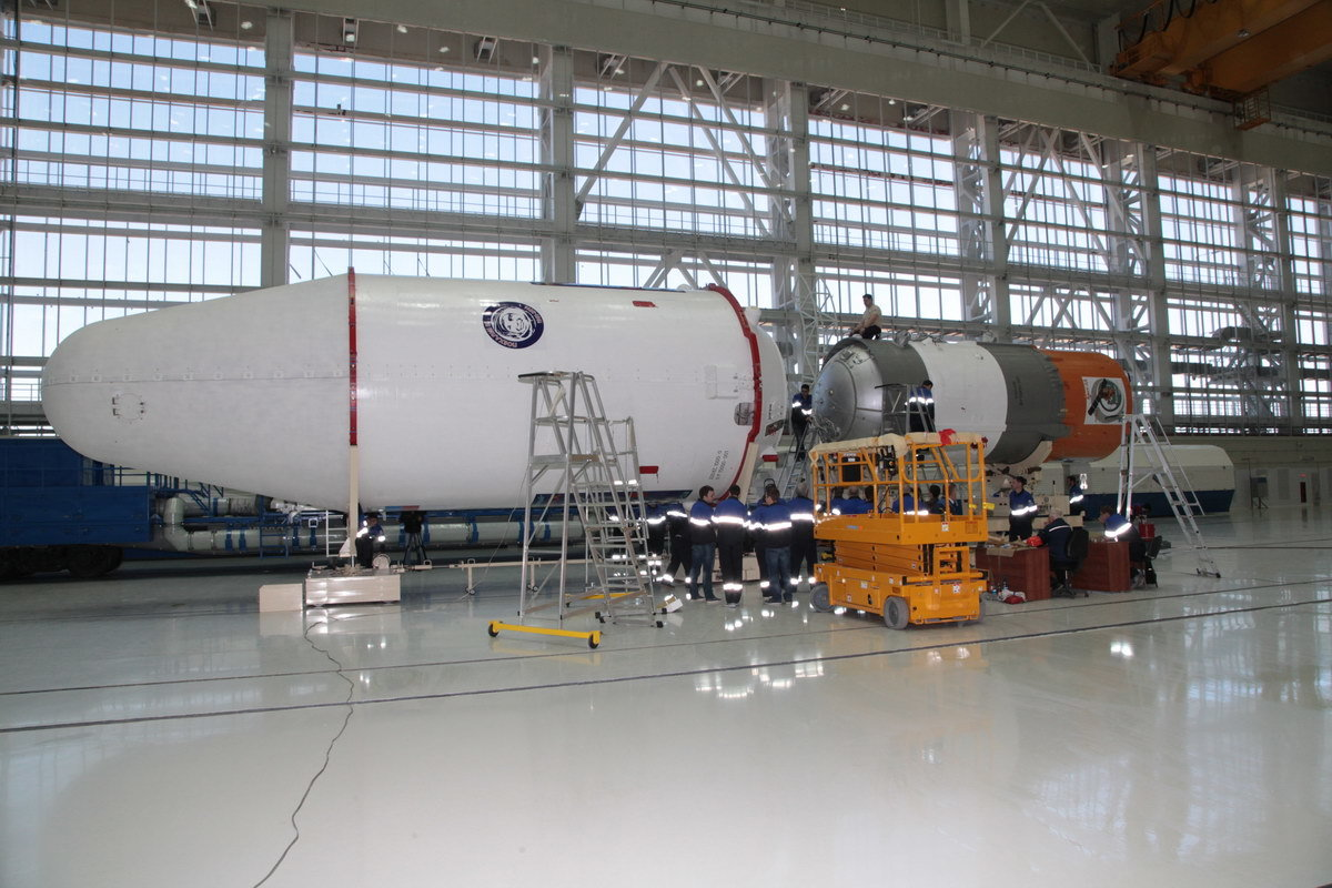 На космодроме Восточный установили ракету-носитель «Союз 2.1а» для первого запуска - 2